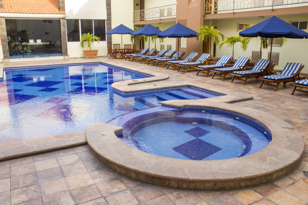 퀄리티 인 마사틀란(Quality Inn Mazatlan) Hotel Image 66 - Exterior