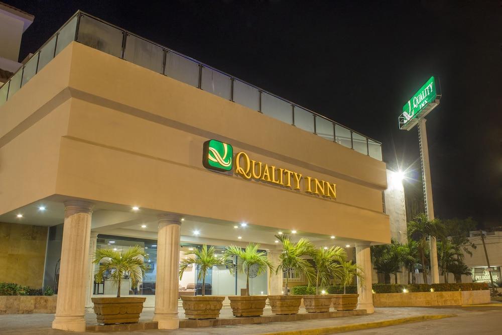 퀄리티 인 마사틀란(Quality Inn Mazatlan) Hotel Image 65 - Exterior