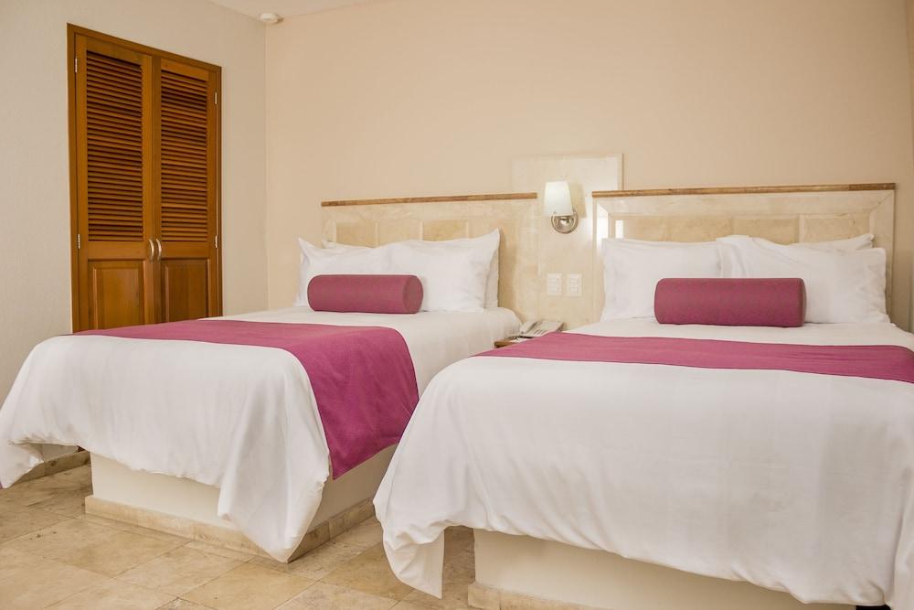 퀄리티 인 마사틀란(Quality Inn Mazatlan) Hotel Image 22 - Guestroom