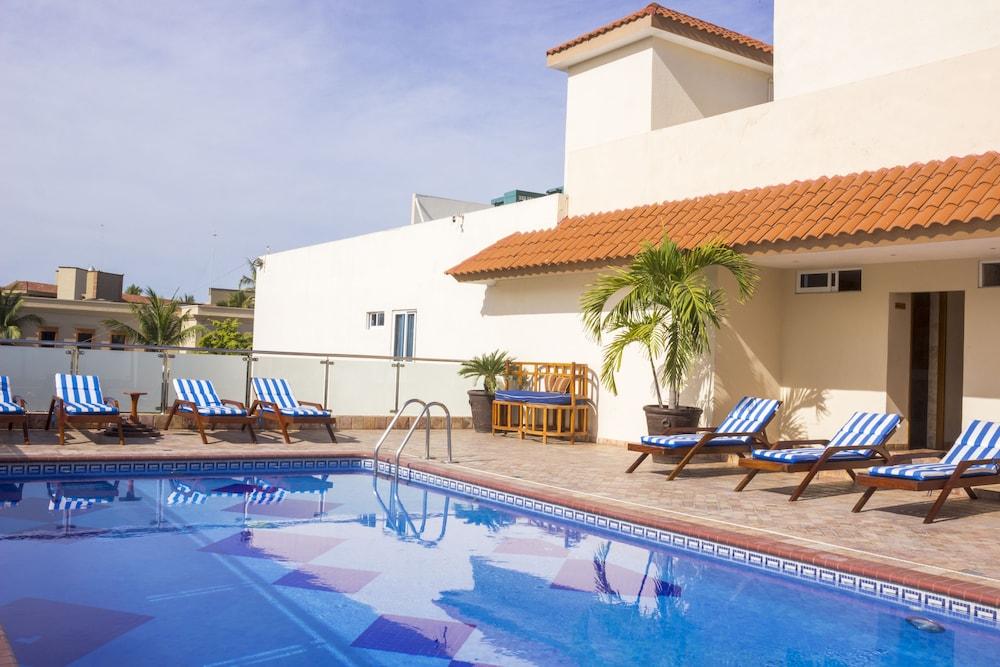 퀄리티 인 마사틀란(Quality Inn Mazatlan) Hotel Image 23 - Terrace/Patio
