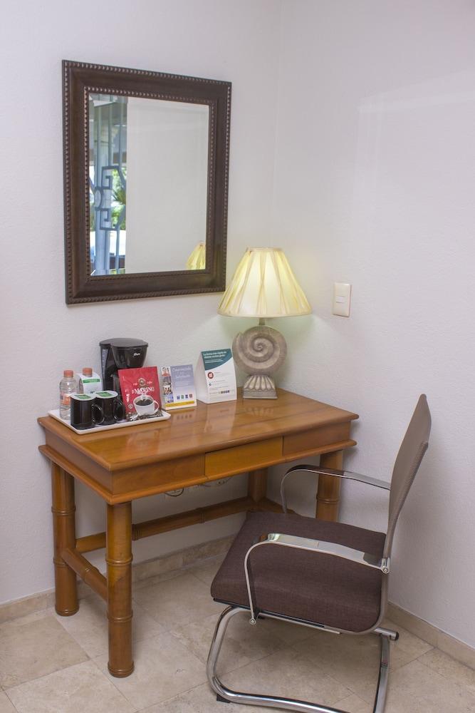 퀄리티 인 마사틀란(Quality Inn Mazatlan) Hotel Image 26 - In-Room Coffee