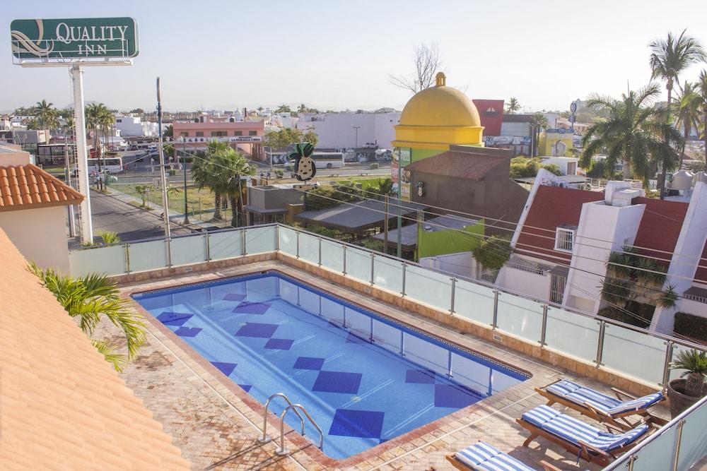 퀄리티 인 마사틀란(Quality Inn Mazatlan) Hotel Image 41 - Outdoor Pool