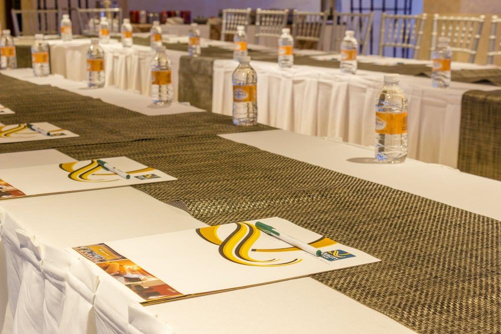 퀄리티 인 마사틀란(Quality Inn Mazatlan) Hotel Image 57 - Banquet Hall