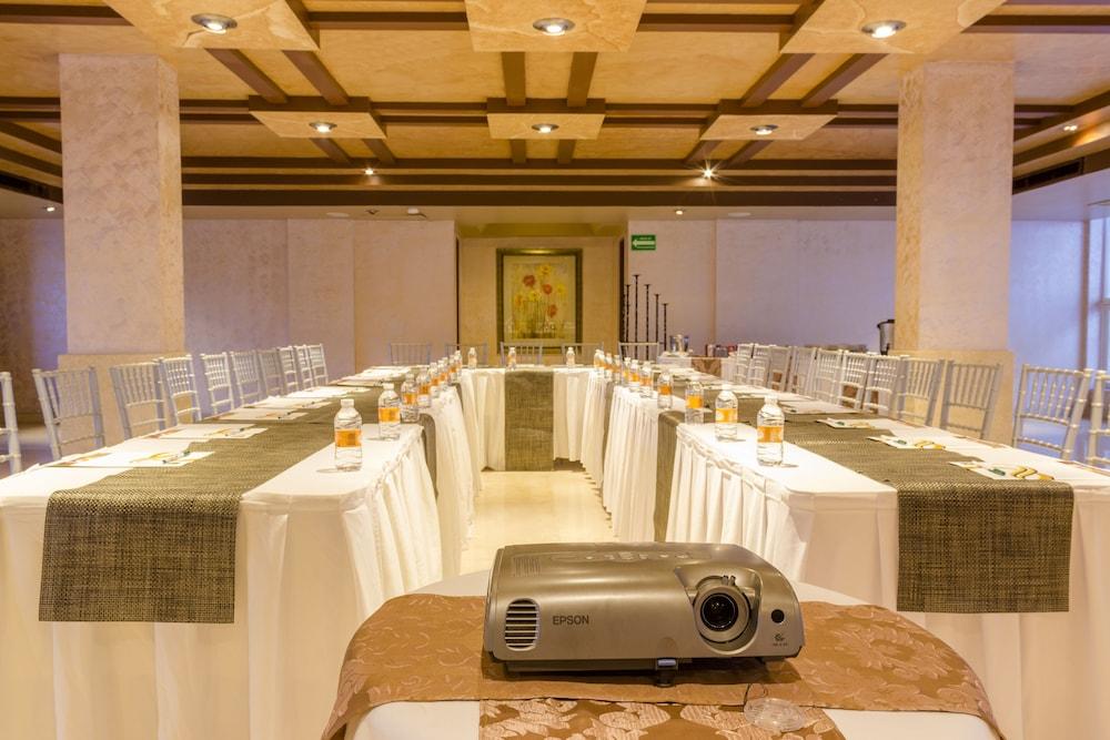 퀄리티 인 마사틀란(Quality Inn Mazatlan) Hotel Image 58 - Meeting Facility