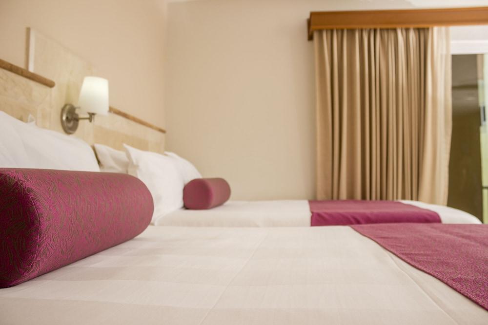 퀄리티 인 마사틀란(Quality Inn Mazatlan) Hotel Image 36 - Guestroom