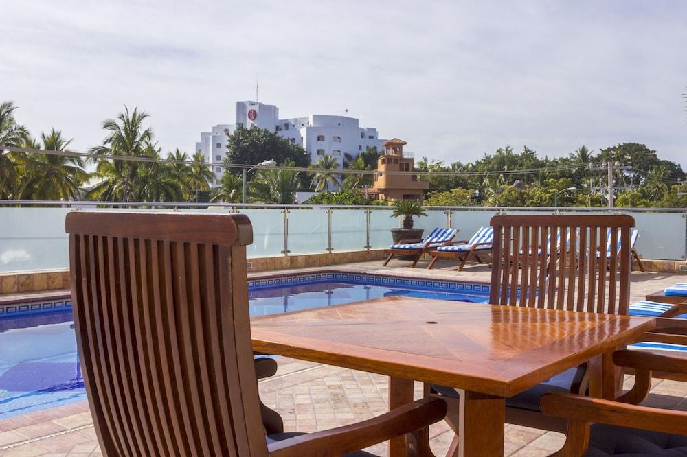 퀄리티 인 마사틀란(Quality Inn Mazatlan) Hotel Image 63 - Porch