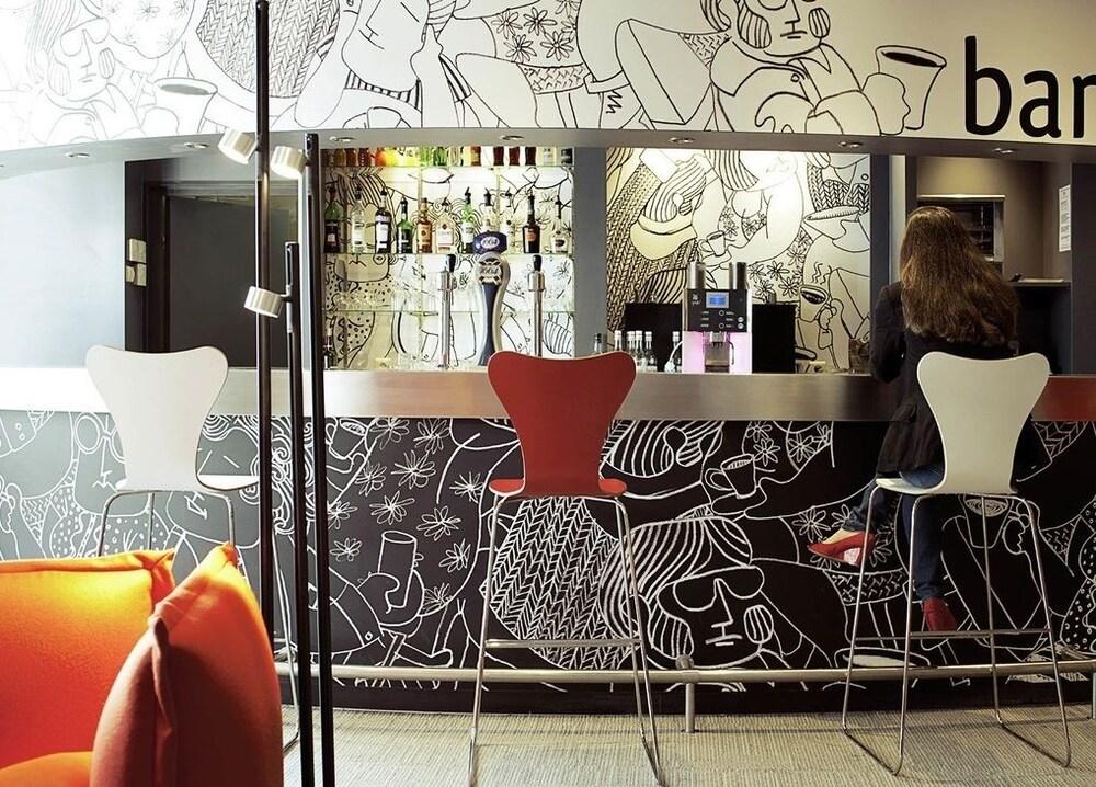 이비스 이스트레 트리강스(ibis Istres Trigance) Hotel Image 11 - Hotel Bar
