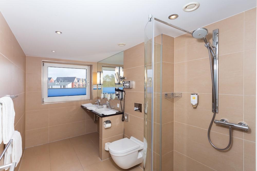 호텔 비에르 야레스자이텐 뤼벡(Hotel Vier Jahreszeiten Lübeck) Hotel Image 12 - Bathroom