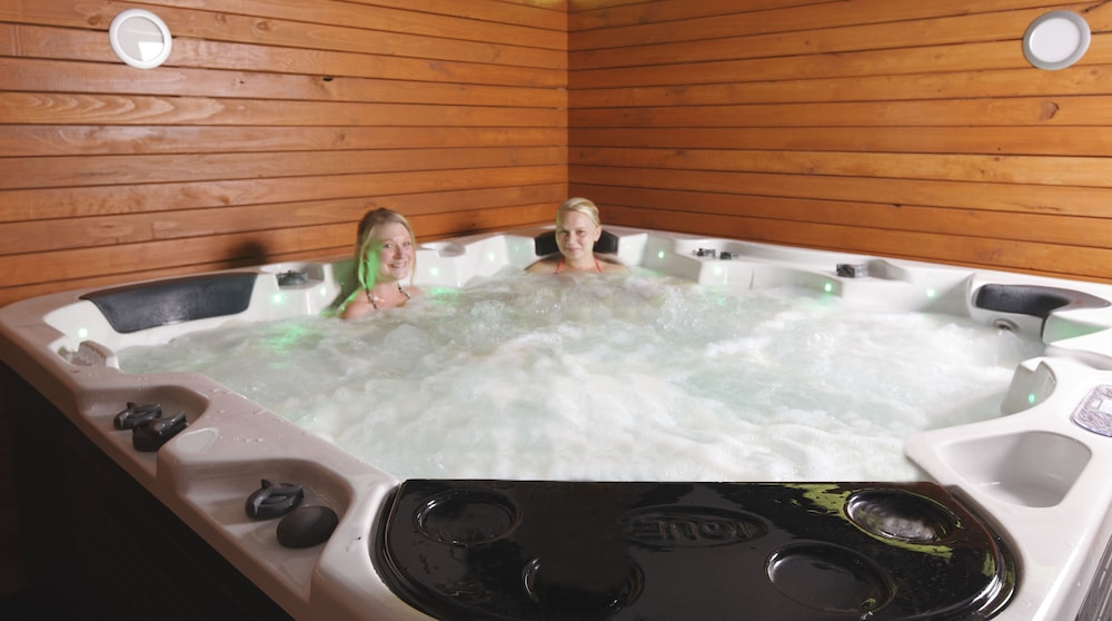 이퀘스트리언 로지 모텔(Equestrian Lodge Motel) Hotel Image 41 - Indoor Spa Tub