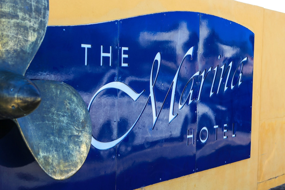 마리나 호텔(The Marina Hotel) Hotel Image 25 - Interior Entrance
