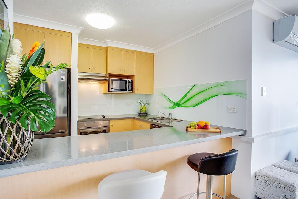 퍼시픽 리조트 브로드비치(Pacific Resort Broadbeach) Hotel Image 12 - In-Room Kitchen