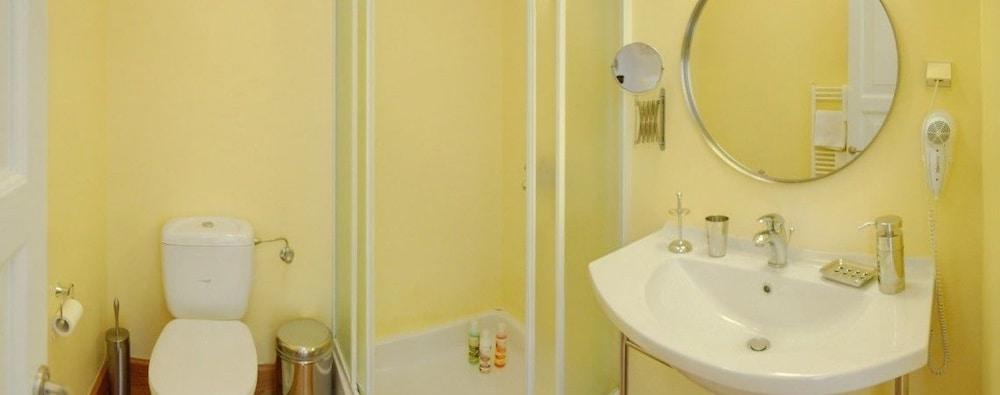 코르푸 럭셔리 빌라(Corfu Luxury Villas) Hotel Image 48 - Bathroom