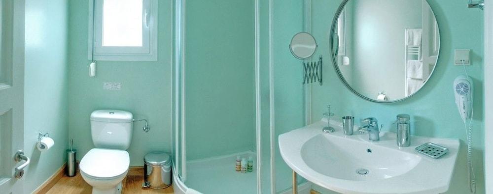 코르푸 럭셔리 빌라(Corfu Luxury Villas) Hotel Image 51 - Bathroom