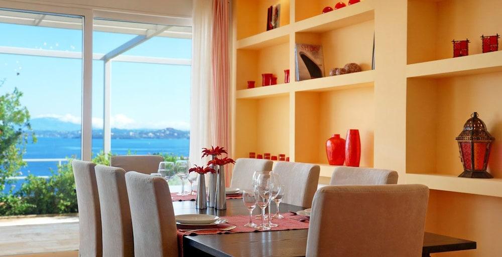 코르푸 럭셔리 빌라(Corfu Luxury Villas) Hotel Image 11 - In-Room Dining