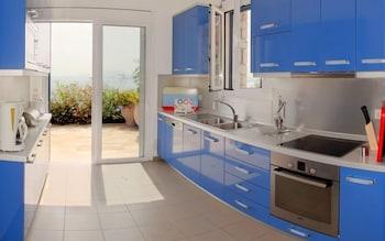 코르푸 럭셔리 빌라(Corfu Luxury Villas) Hotel Image 13 - In-Room Kitchen