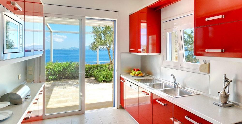코르푸 럭셔리 빌라(Corfu Luxury Villas) Hotel Image 14 - In-Room Kitchen