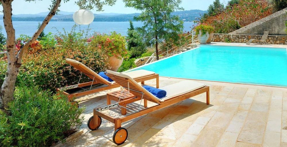 코르푸 럭셔리 빌라(Corfu Luxury Villas) Hotel Image 31 - Terrace/Patio