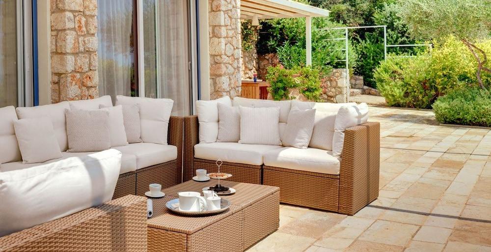 코르푸 럭셔리 빌라(Corfu Luxury Villas) Hotel Image 33 - Terrace/Patio