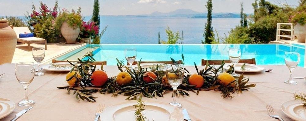 코르푸 럭셔리 빌라(Corfu Luxury Villas) Hotel Image 68 - Terrace/Patio