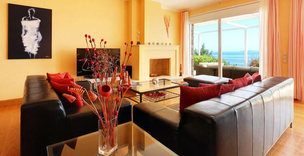 코르푸 럭셔리 빌라(Corfu Luxury Villas) Hotel Image 20 - Living Room