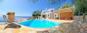 코르푸 럭셔리 빌라(Corfu Luxury Villas) Hotel Image 61 - Outdoor Pool