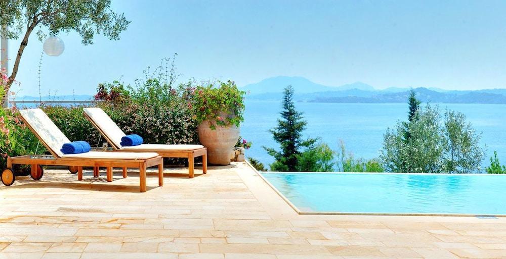 코르푸 럭셔리 빌라(Corfu Luxury Villas) Hotel Image 35 - Terrace/Patio