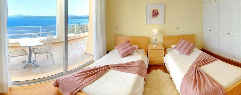 코르푸 럭셔리 빌라(Corfu Luxury Villas) Hotel Image 6 - Guestroom