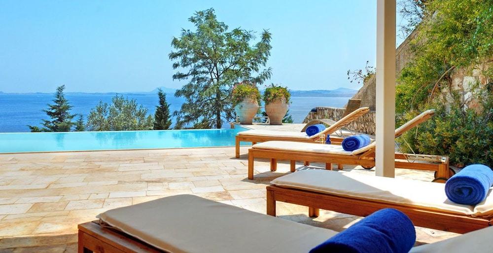 코르푸 럭셔리 빌라(Corfu Luxury Villas) Hotel Image 39 - Terrace/Patio