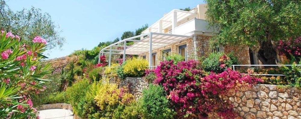 코르푸 럭셔리 빌라(Corfu Luxury Villas) Hotel Image 41 - Terrace/Patio