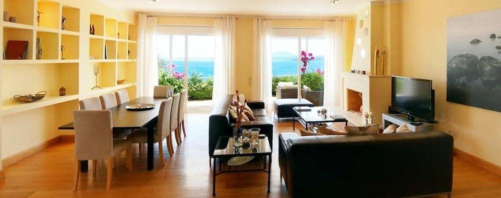 코르푸 럭셔리 빌라(Corfu Luxury Villas) Hotel Image 21 - Living Room