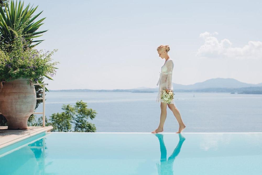 코르푸 럭셔리 빌라(Corfu Luxury Villas) Hotel Image 0 - Featured Image