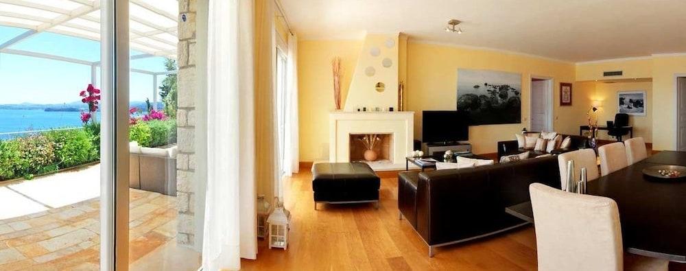 코르푸 럭셔리 빌라(Corfu Luxury Villas) Hotel Image 18 - Living Area
