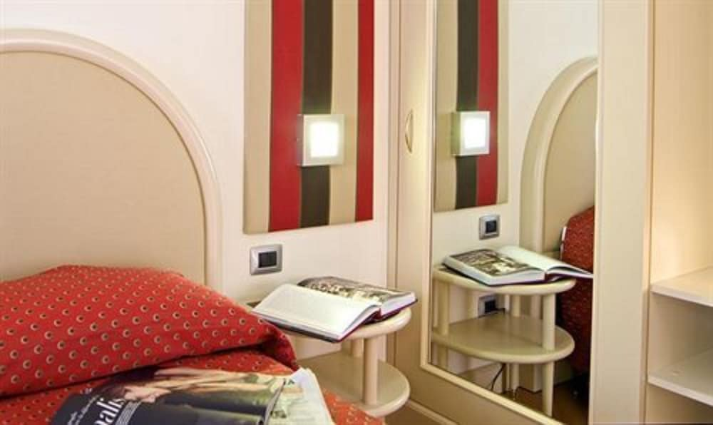 호텔 센트랄레(Hotel Centrale) Hotel Image 3 - Guestroom
