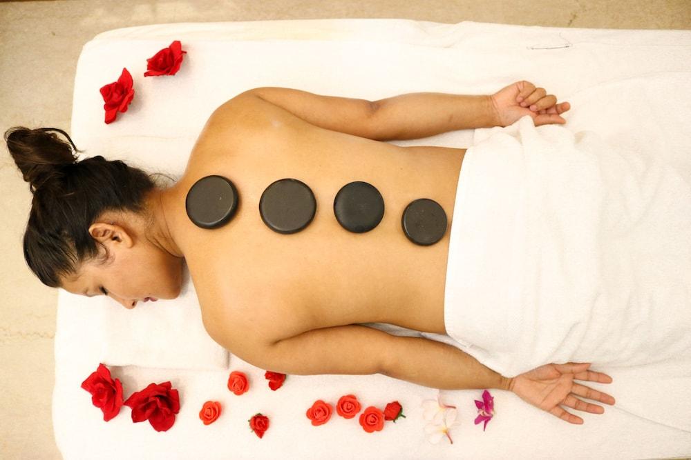 래디슨 블루 호텔 그레이터 노이다(Radisson Blu Hotel Greater Noida) Hotel Image 68 - Spa Treatment