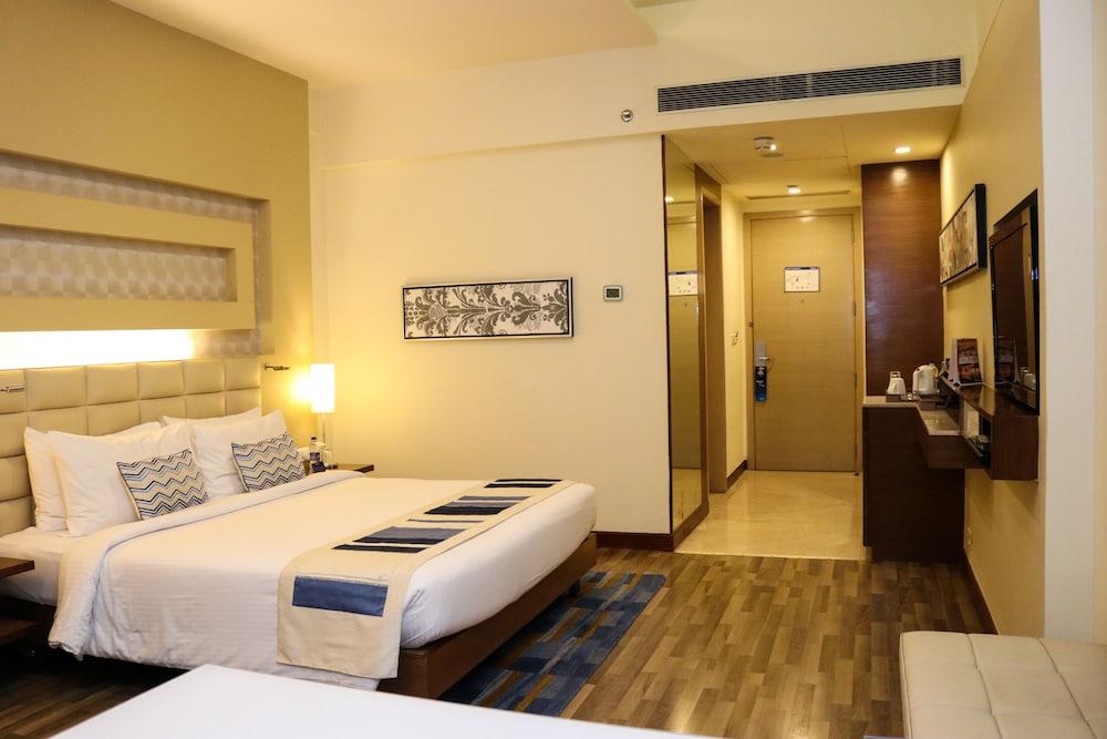 래디슨 블루 호텔 그레이터 노이다(Radisson Blu Hotel Greater Noida) Hotel Image 13 - Guestroom