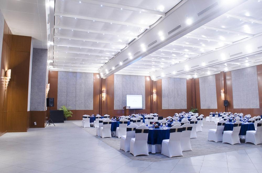 래디슨 블루 호텔 그레이터 노이다(Radisson Blu Hotel Greater Noida) Hotel Image 108 - Banquet Hall