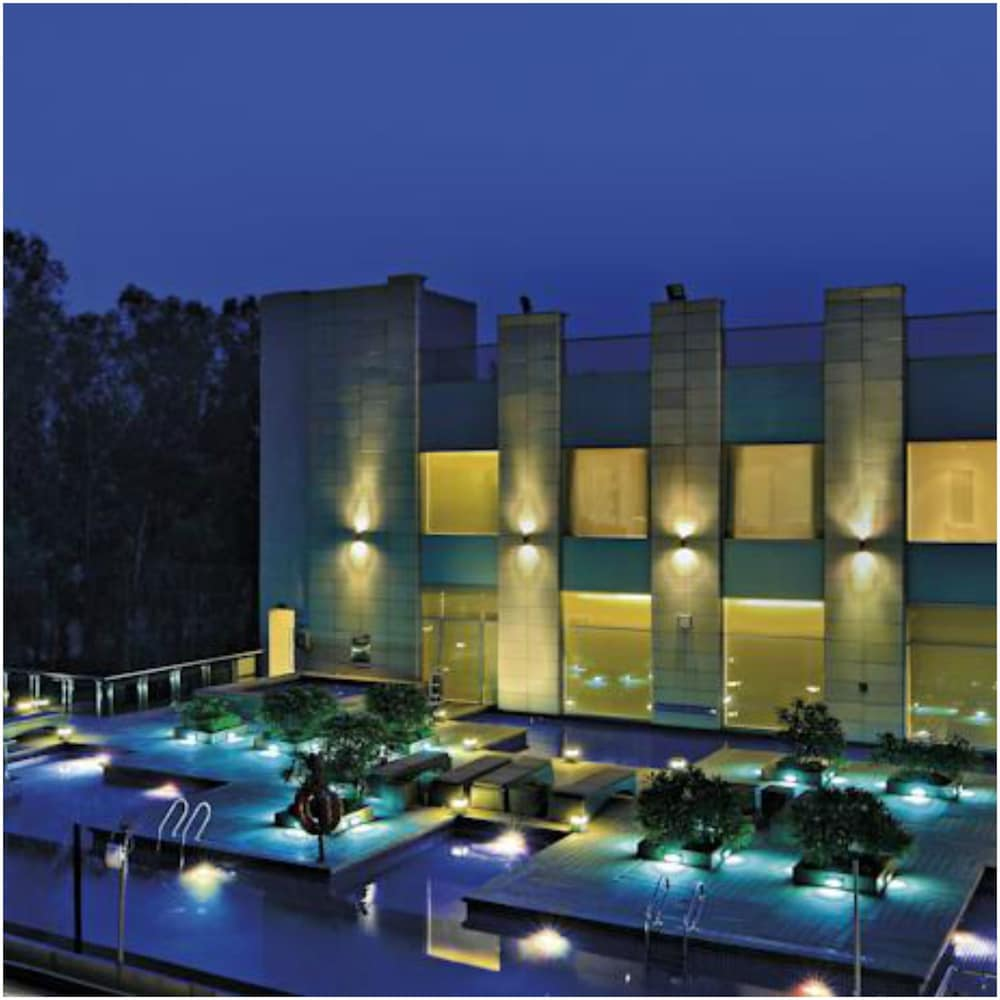 래디슨 블루 호텔 그레이터 노이다(Radisson Blu Hotel Greater Noida) Hotel Image 143 - Aerial View
