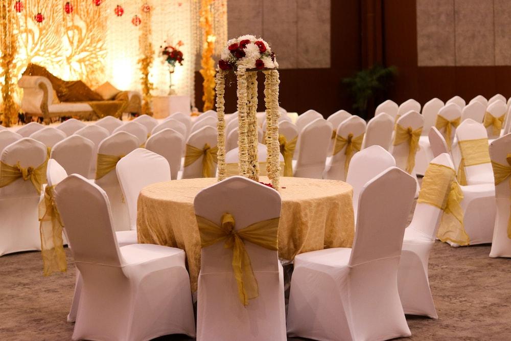 래디슨 블루 호텔 그레이터 노이다(Radisson Blu Hotel Greater Noida) Hotel Image 110 - Indoor Wedding