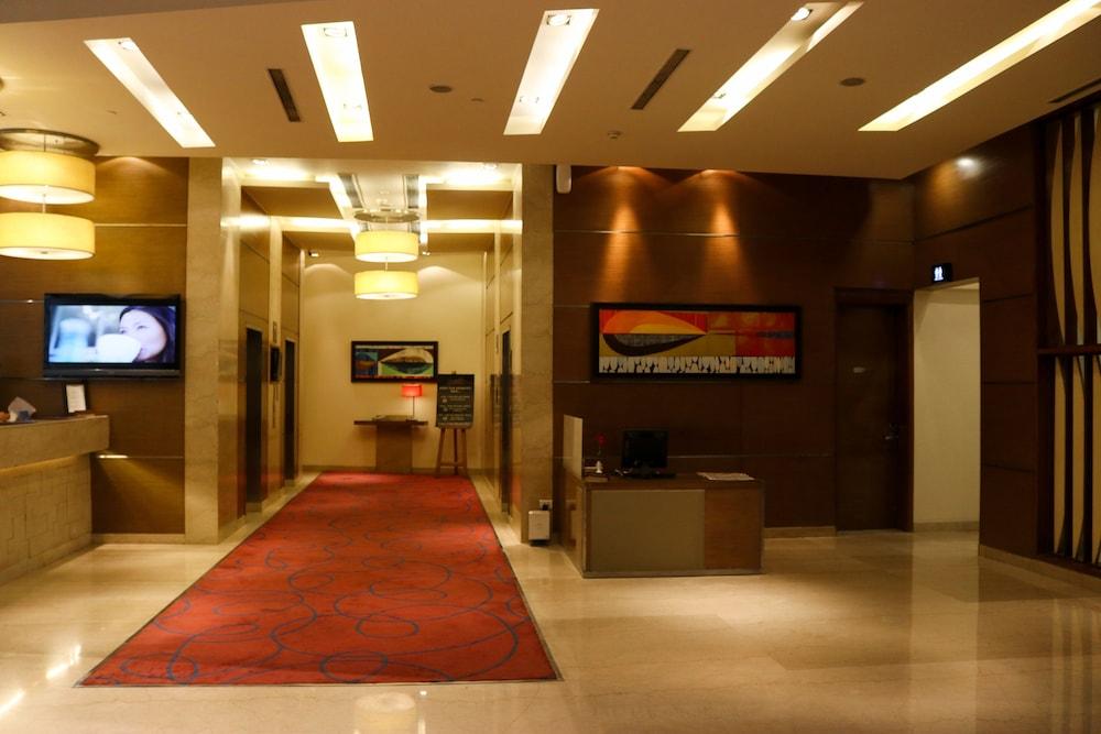 래디슨 블루 호텔 그레이터 노이다(Radisson Blu Hotel Greater Noida) Hotel Image 3 - Lobby