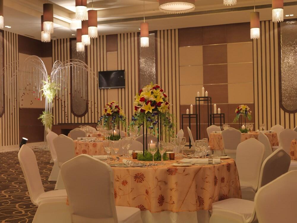 래디슨 블루 호텔 그레이터 노이다(Radisson Blu Hotel Greater Noida) Hotel Image 100 - Banquet Hall