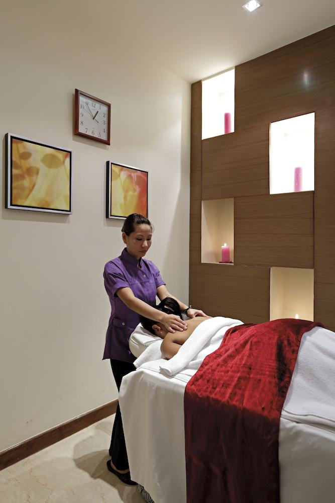 래디슨 블루 호텔 그레이터 노이다(Radisson Blu Hotel Greater Noida) Hotel Image 67 - Massage