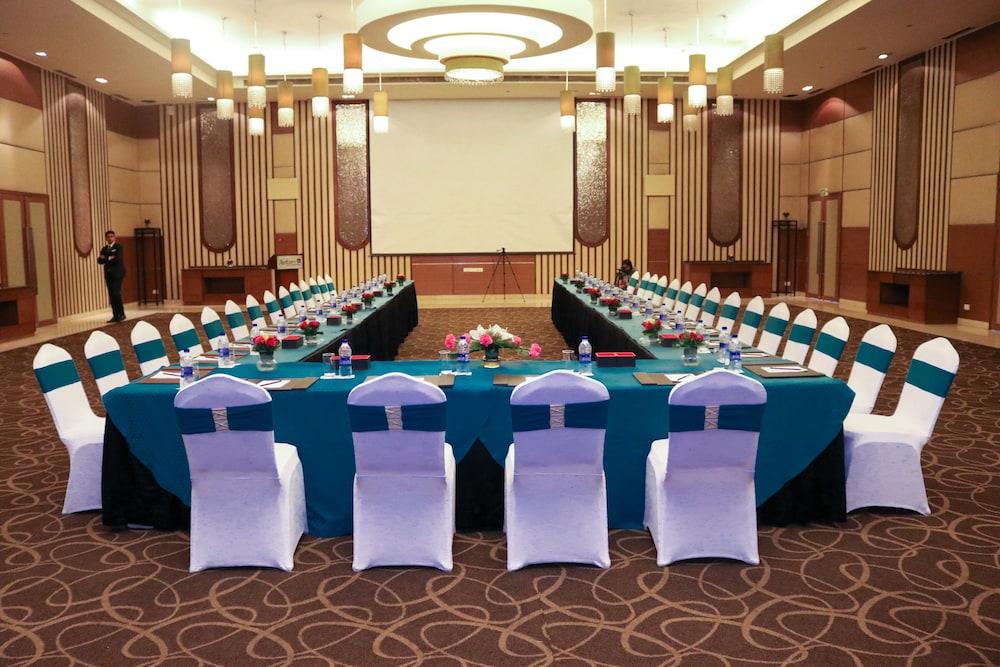 래디슨 블루 호텔 그레이터 노이다(Radisson Blu Hotel Greater Noida) Hotel Image 103 - Banquet Hall