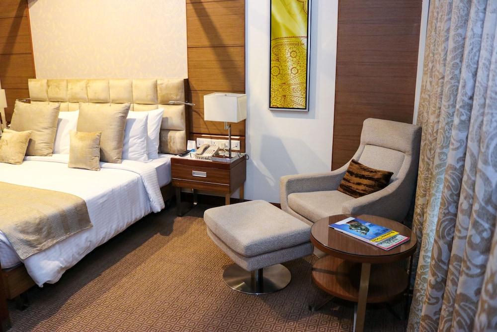 래디슨 블루 호텔 그레이터 노이다(Radisson Blu Hotel Greater Noida) Hotel Image 17 - Guestroom
