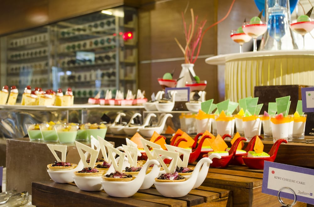 래디슨 블루 호텔 그레이터 노이다(Radisson Blu Hotel Greater Noida) Hotel Image 85 - Buffet