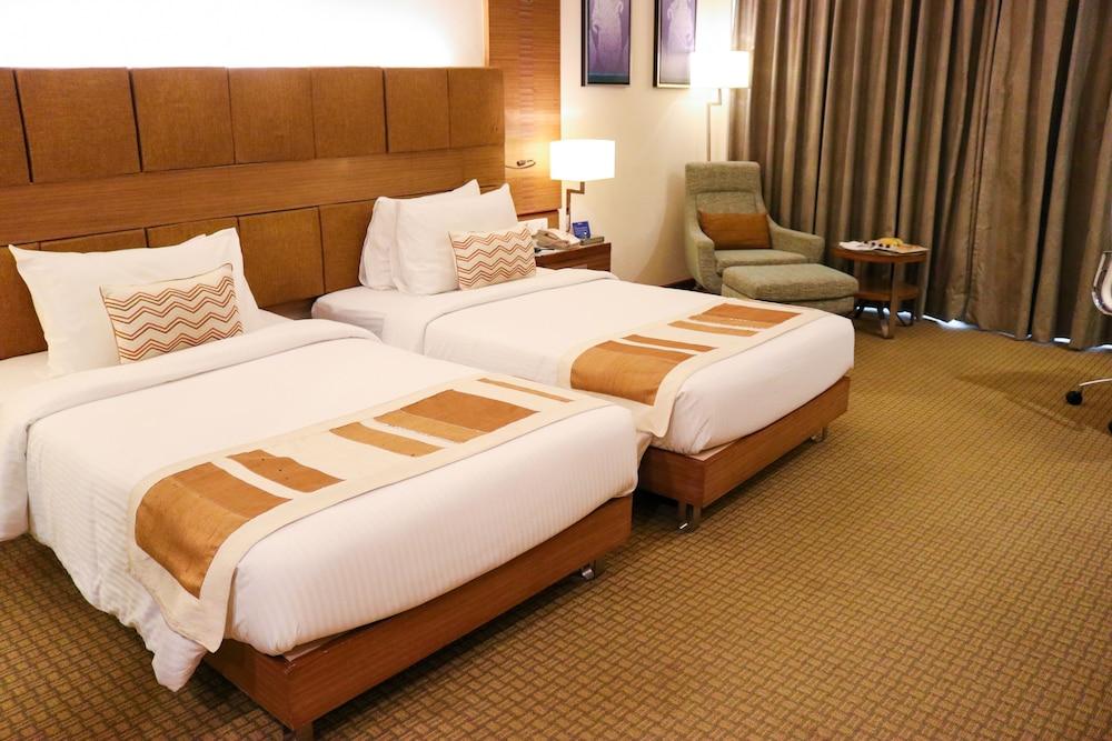 래디슨 블루 호텔 그레이터 노이다(Radisson Blu Hotel Greater Noida) Hotel Image 37 - Guestroom View