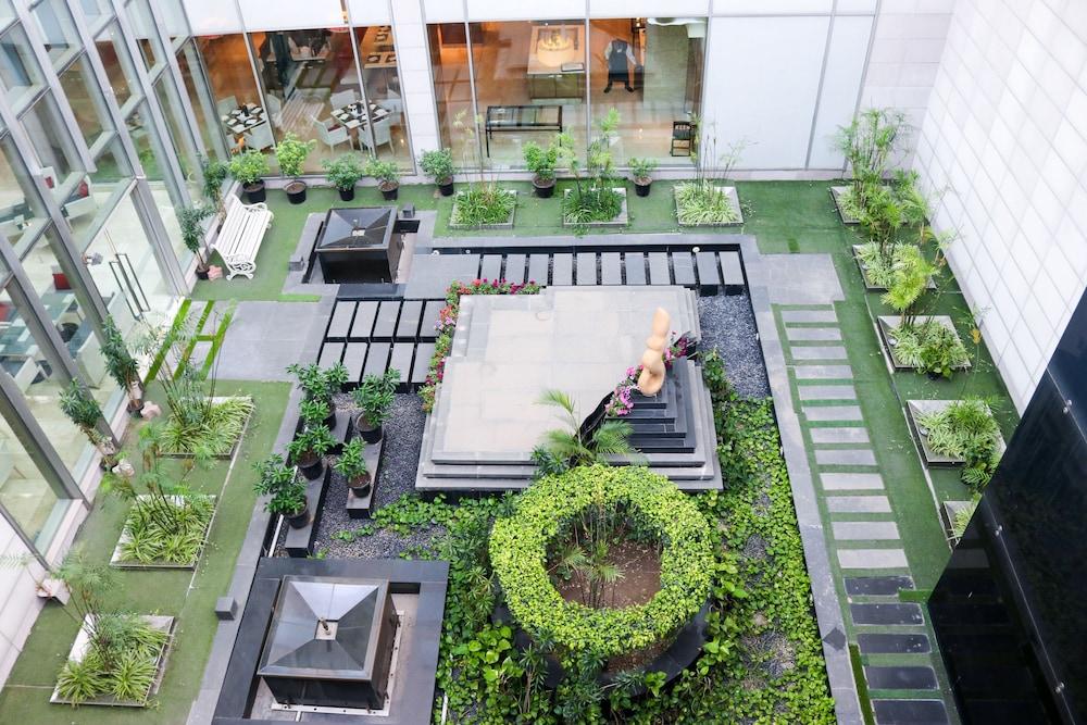 래디슨 블루 호텔 그레이터 노이다(Radisson Blu Hotel Greater Noida) Hotel Image 137 - Garden