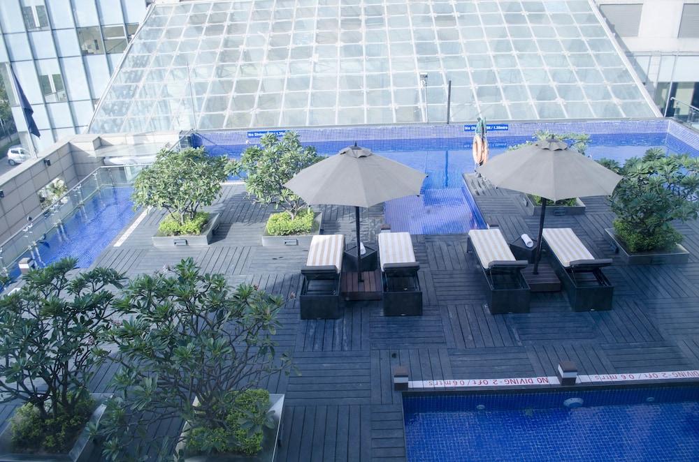 래디슨 블루 호텔 그레이터 노이다(Radisson Blu Hotel Greater Noida) Hotel Image 53 - Outdoor Pool