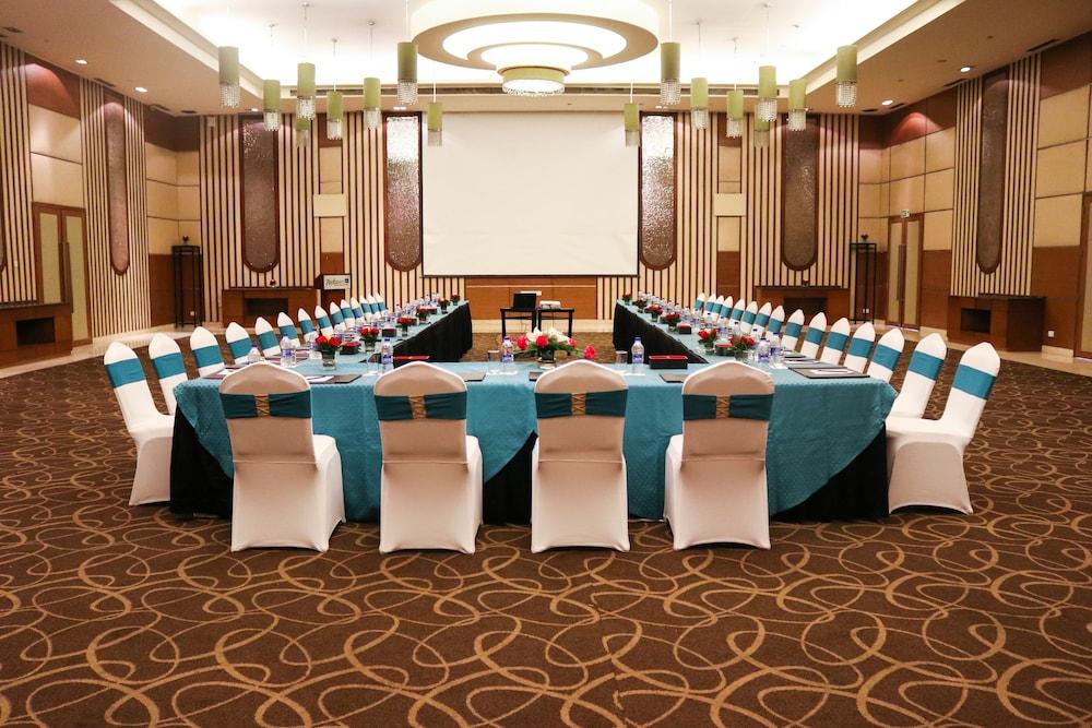 래디슨 블루 호텔 그레이터 노이다(Radisson Blu Hotel Greater Noida) Hotel Image 106 - Banquet Hall