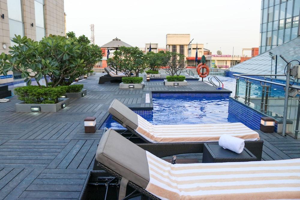 래디슨 블루 호텔 그레이터 노이다(Radisson Blu Hotel Greater Noida) Hotel Image 7 - Pool