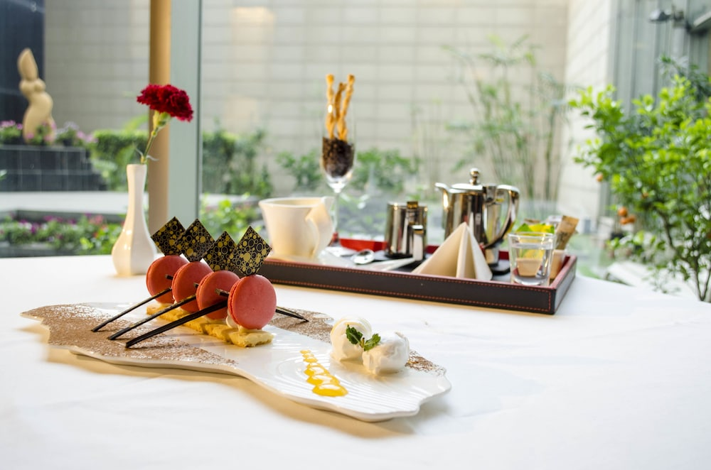 래디슨 블루 호텔 그레이터 노이다(Radisson Blu Hotel Greater Noida) Hotel Image 91 - Food and Drink
